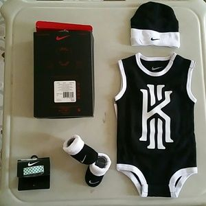Infant Gift Set, Nike Bodysuit,Booties,Hat, 0-6mon
